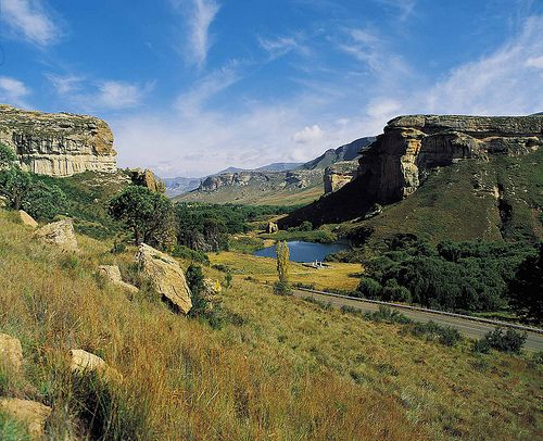Golden Gate Highlands National Park, Free State, South Africa.  BelAfrique - Your Personal Travel Planner - www.belafrique.co.za