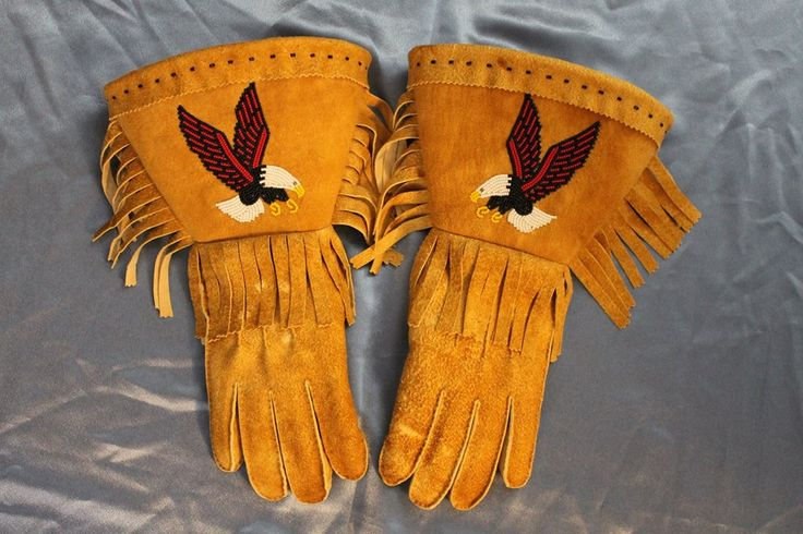 Pin By Ruth Thompson On Mittens Amp Gloves Beaded Native