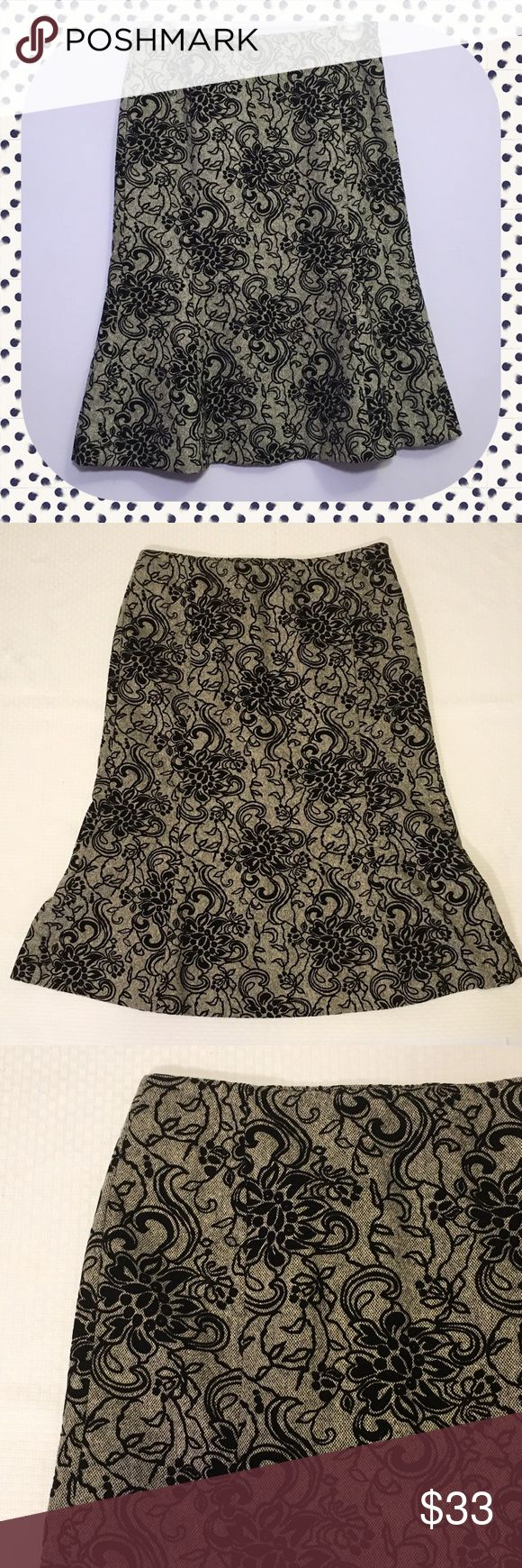⭐️NEW⭐️LOFT embroidered trumpet skirt Beautiful loft embroidered trumpet skirt.                                    All prices are negotiable so 💕Make offers💕 🚫No trades🚫 LOFT Skirts