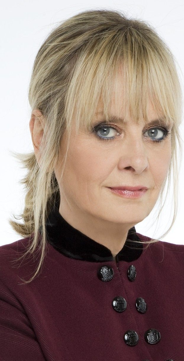 Twiggy now... looking good at age 65. Read fashion & beauty tips for women over 50: http://www.boomerinas.com/2015/09/18/27-fashion-tips-we-can-learn-from-twiggy-now/