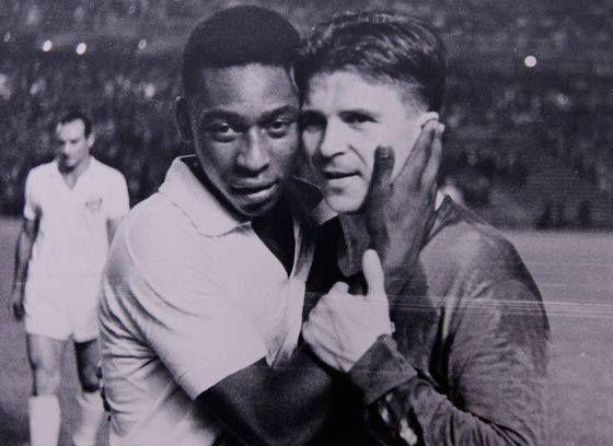 Pelé és Puskás Öcsi, nincsenek szavak erre a képre