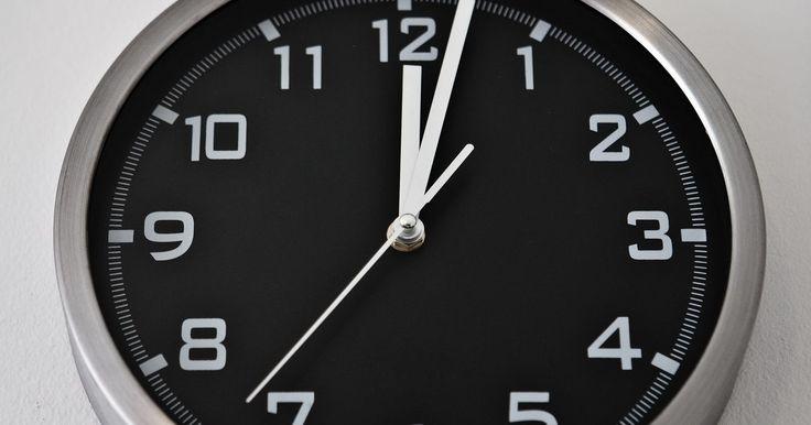 Cómo convertir minutos a centésimas de minuto. Al entregar las tarjetas de horarios o el cálculo de las mismas, los empleados y sus empleadores con frecuencia se ven obligados a convertir el número de horas y minutos trabajados a tiempo decimal, calculado a la centésima decimal, o dos posiciones después del punto decimal en el tiempo decimal. Con el tiempo decimal, también conocido como el ...