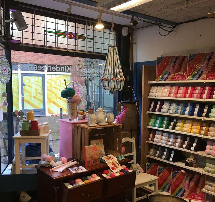 #byclaire #katoen #garen #kroonluchter #atelier #lavivere #zoetermeer #hobby #handwerken #haken #häkeln #knitten #breien www.atelierlavive...