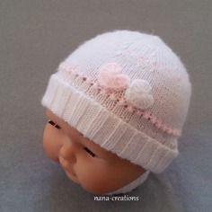 Bonnet bébé tricoté en laine layette et ses petits coeurs blanc et rose, 0/3 mois@nana-creations.