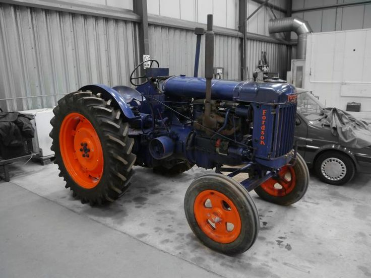 Auction Lot 288  (1951 FORDSON E27N Major 'rowcrop' 4cylinder petrol/paraffin ..) Image 1