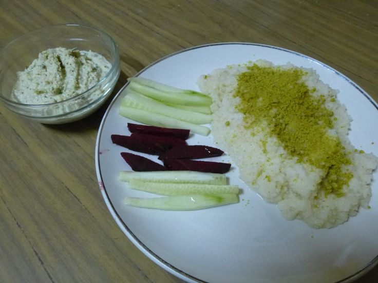 Cous Cous with Raw Veggie Sticks and ChickpeaHummus