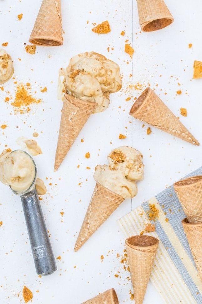 10 colorful and creative novelty desserts from around the globe, like Hokey Pokey Ice Cream from New Zealand.