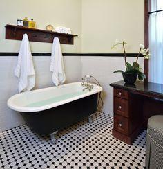 Get yourself a vintage bathroom decor right now! |www.essentialhome.eu/blog | #midcentury #architecture #interiordesign #homedecor #bathroom #bathroomdecor