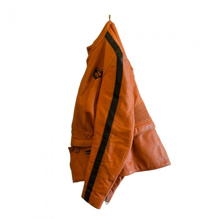#Giacca #Harro donna super #vintage  Stupenda giacca per chi ama vestire capi unici e #originali. Abbinala a un jeans e #tacchialti! Con un foulard bianco diventa elegantissima!!