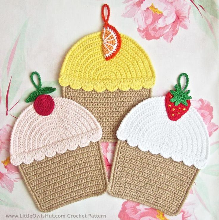 042 Cupcakes, Decor or Potholder via Craftsy