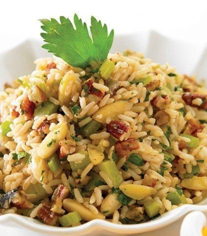 Arroz con nueces y almendra, no dejarás de comerlo. | 16 Deliciosas recetas con arroz que mejorarán tu vida entera