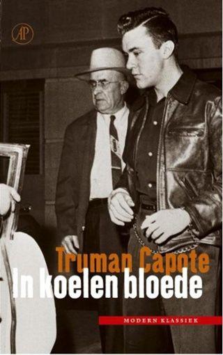 In koelen bloede is de magistrale reconstructie van een gruwelijke moordzaak, waarin Capote de kunst van de romanschrijver paart aan de techniek van de journalist. Met de publicatie in 1965 van dit overrompelende boek was een nieuw literair genre geboren: de non-fictieroman, ook wel faction geheten. Capote laat zien hoe één enkele daad van stompzinnig geweld talloze levens voor altijd verandert. .