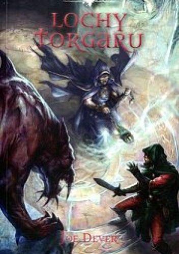 Twoje poszukiwania mitycznych Kamieni Wiedzy przywiodły cię do ponurej fortecy Torgar, twierdzy Mrocznych Władców. W Lochach Torgaru twoją misją jest wyrwanie ostatnich Kamieni Wiedzy ze szponów wrogi...