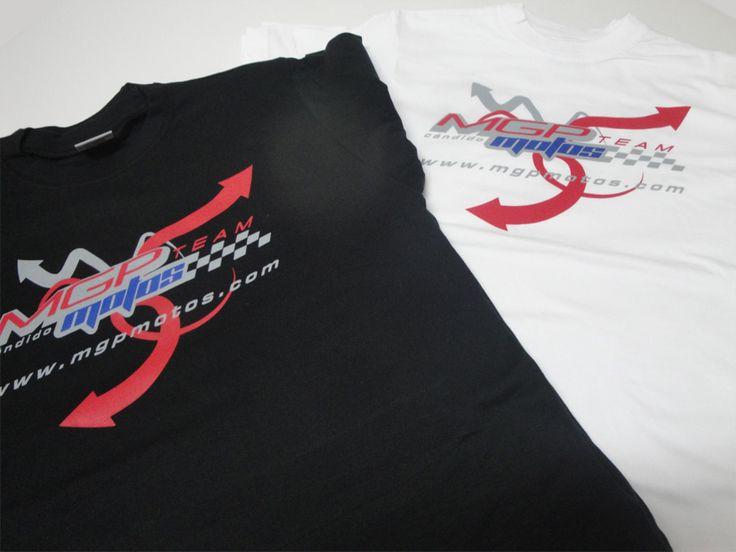#CamisetasPersonalizadas en serigrafía, consúltanos para peñas y eventos. #FabricaciónDeCamisetas con tus colores, las combinamos según tus colores.