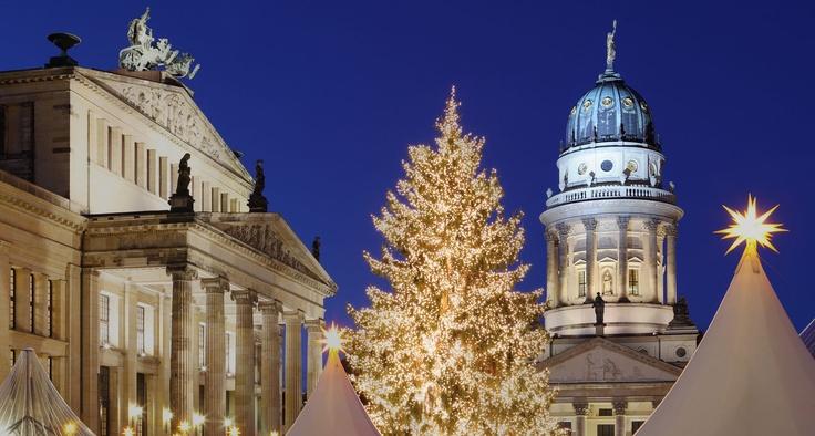 Weihnachtsmarkt Alexanderplatz Berlin. Christmas Market