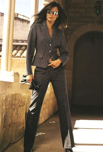 ladies pant suits from Custom Tailor based in Pattaya,Thailand.Thailand custom tailor,pattaya tailor offering Custom made Woman pant suit