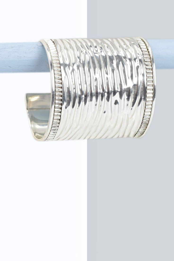 Iris Metal Cuff