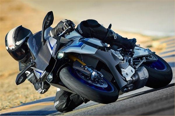 ヤマハ、200馬力の YZF-R1M を欧米向けに発売 ― ヤマハ史上最も MotoGP 用マシンに近いスーパーバイク - えん乗り