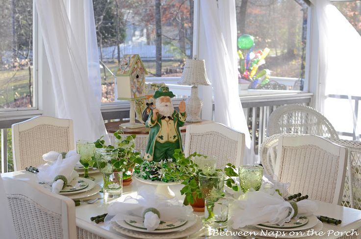 : Tablescapes Obsession, Tables Sets, Pretty St., Tablescapes Thursday, 185Th Tablescapes, Decor Tables Scap, St. Patrick'S Day, Irish Stuff, St Patrick'S Day
