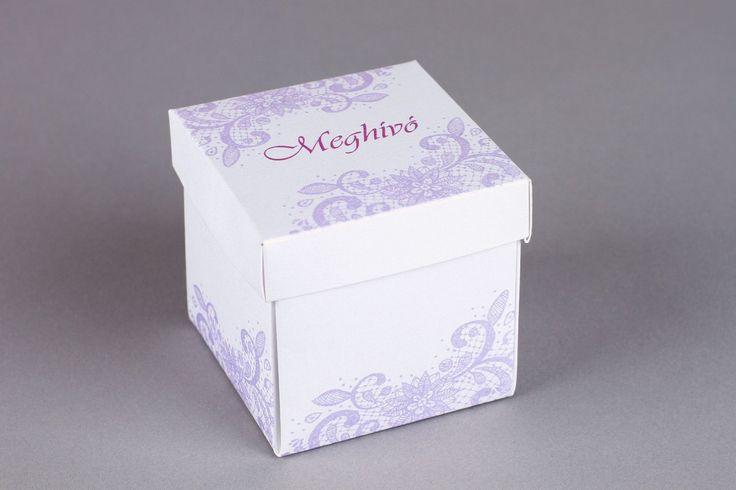 Halvány lila csipke mintájú dobozos esküvői meghívó -  Light purple lace wedding box invitation