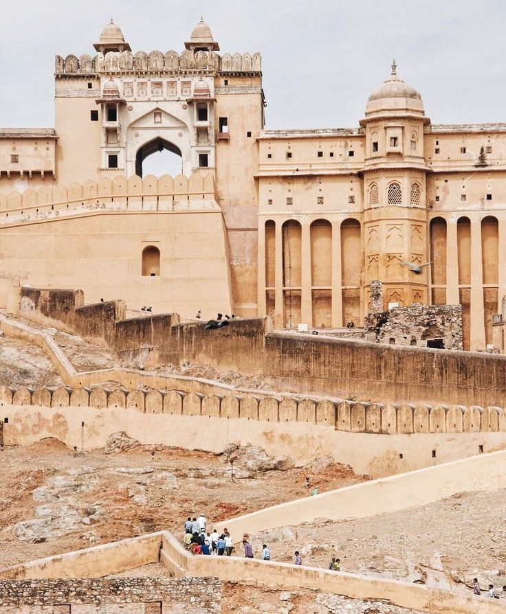 The Taj Mahal might be a bucket list sight you can't miss in India, but the Amer Fort in Jaipur is where it's at.