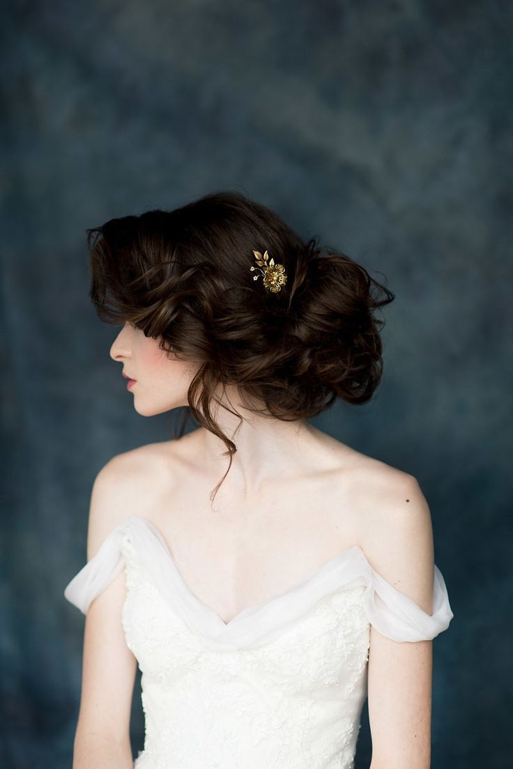 Today I would like to introduce you to one of my favourite finds of late, Blair Nadeau and her stunning new collection of hair accessories and bridal adornments 'Celestial Wanderer'. An exquisite range inspired by yesteryear but created for today's modern brides, featuring modern rose-gold headpieces, heavenly vintage veils, divine statement necklaces & shoulder adornments, garters so beautiful...READ THE REST