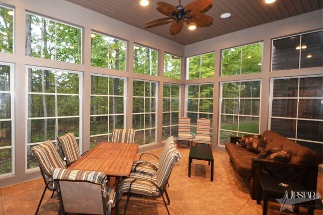 Love the windows in this three season room!!