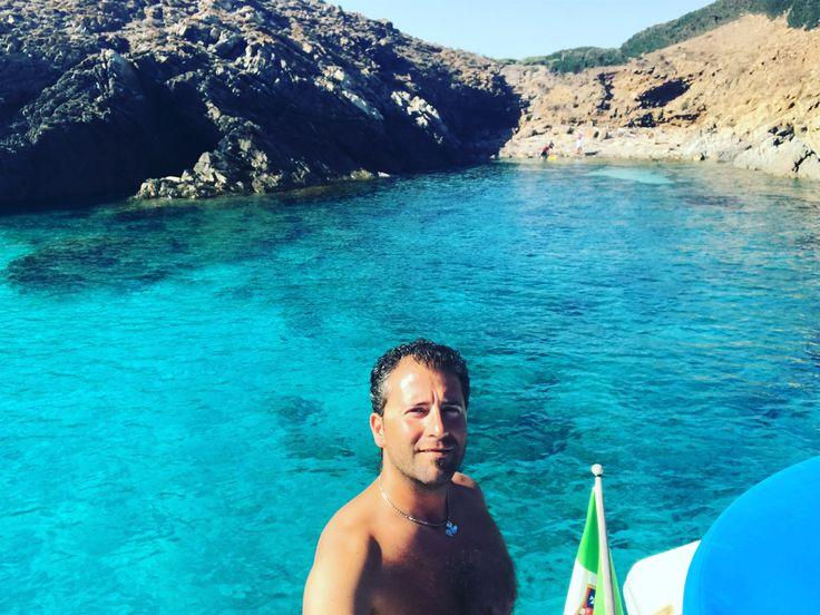 Sei sicuro di voler stare in spiaggia, sotto l'ombrellone con 40gradi all'ombra? #vacanzaincatamarano #vacanzeinbarca #noleggiocatamaranosardegna #asinaracatamaran #miguelcatamaran