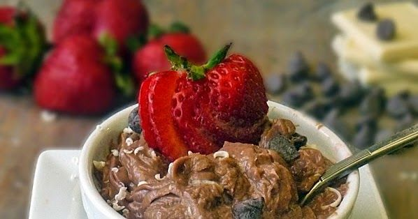 Easy Low Carb Chocolate Mousse | by Life Tastes Good is creamy chocolaty goodness and only about 7 carbs per serving! #Dessert #Snack #LowCarb