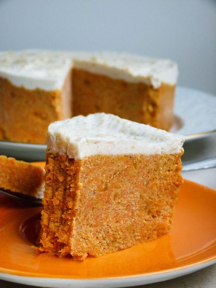Roher Karotten Kuchen mit Aprikosen - glutenfrei & fettarm