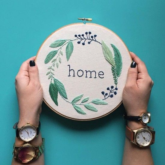 Beautiful, hand-embroidered hoops by Jenn Riggs, posted on the blog! http://www.artisticmoods.com/thread-honey/