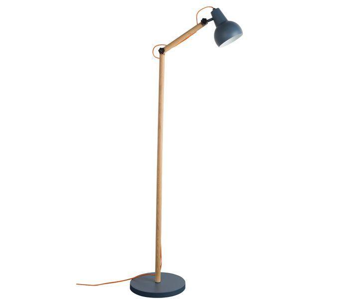 Mooie vloerlamp in hout uitgevoerd met metalen kap. Kleur Grijs : Doorsnede voet :30 cm, Hoogte:166 cm De ideale lamp voor in huis! De lamp kan zowel in de zithoek, maar ook kan ook goed als leeslamp gebruikt worden. - De Tafel Van 10 (online) woonwinkel