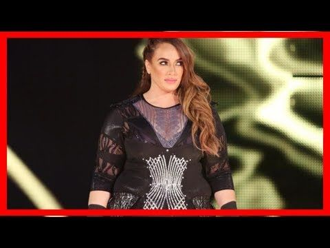 WWE 2k18: Wwe news: kurt angle reveals why nia jax is the only woman to have her weight announced