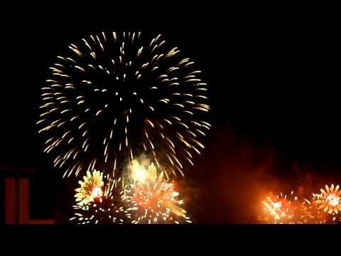 The biggest fireworks display in New Zealand, wait till the end it so COOL!!!
