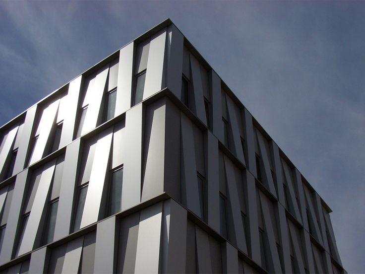 Lastre e pannelli in metallo ed HPL Sistema di rivestimento per facciate by ALPEWA