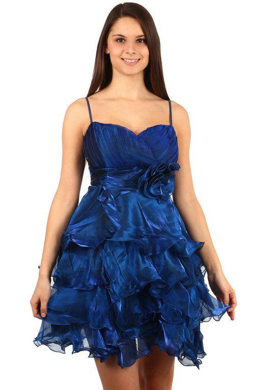 c401ee3890d9 Večerní nadýchané volánkové šaty na ples v roce 2019