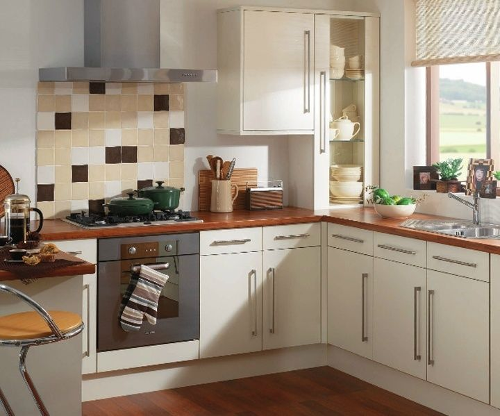 Cheap white kitchen cabinets white kitchen cabinets for Inexpensive wood kitchen cabinets