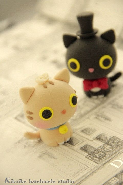 kitty and cat bride and groom wedding cake topper by kikuike
