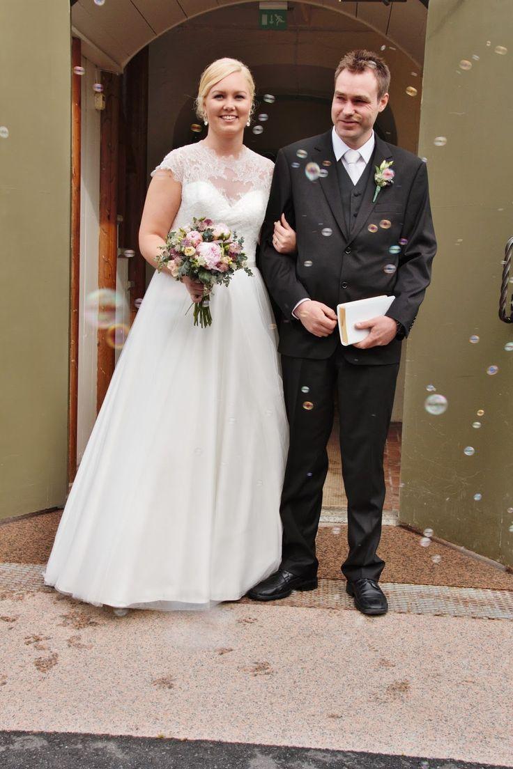 Wedding bubbles church