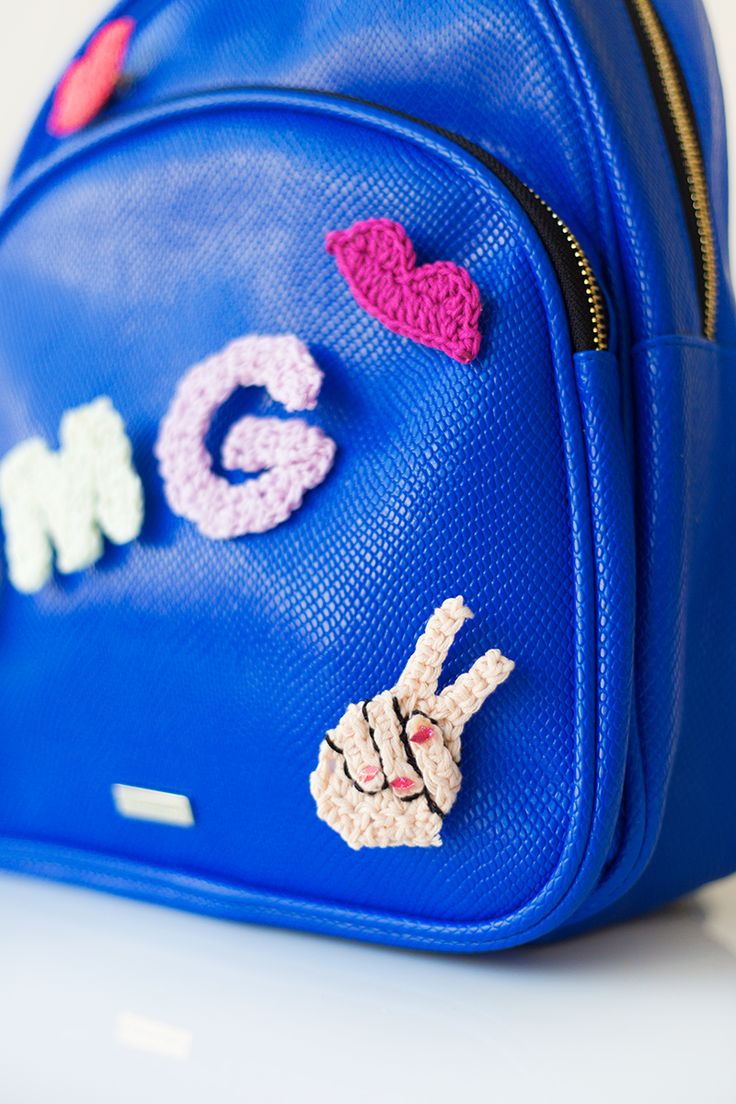 DIY Crochet Peace Sign Emoji