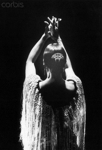 Elke Stolzenberg: Back of Flamenco Dancer Merche Esmeralda