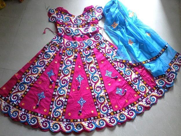 Get lehengas for rent in bangalore