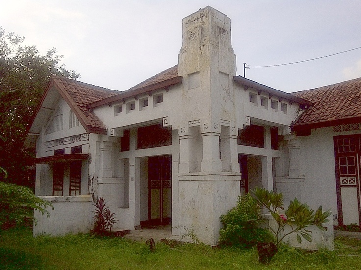 House, Menteng, Jakarta, P.A.J. Moojen, 1910. Photo by Huib Akihary