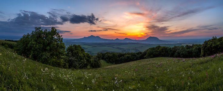 Благодать Земная и Небесная: Рассвета мягкий свет ....