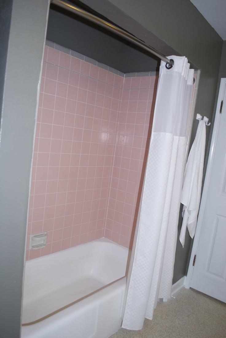Pink bathroom suite - 29 Best Pink Tile Bathrooms Images On Pinterest Bathroom Ideas Pink Tiles And Retro Bathrooms