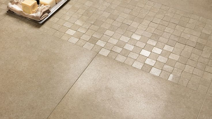... pavimento tortora lappato 60x60 con mosaico Street tortora 30x30