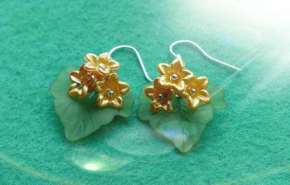 Bekijk dit items in mijn Etsy shop https://www.etsy.com/nl/listing/466793296/bloem-oorbellen-hand-gemaakt-en