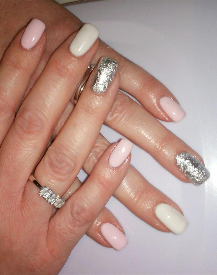 Gel UV unghie quadrate bianco, rosa e foglia argento