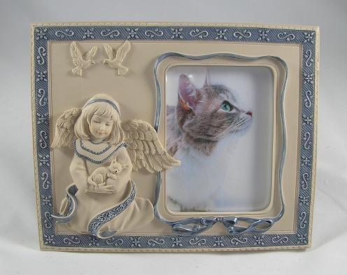 Sarah's Angels Companionship Photo Frame - Angel Holding Cat, $15.95