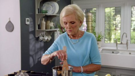 Mary Berry creates a classic and delicious Lemon Syllabub.